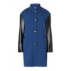 Cappotto, in tessuto stretch unito, con maniche e bordo tasca in eco-pelle, collo a fascetta, chiuso davanti con 5 bottoni in eco-pelle.2XV05K1E7 BLUE