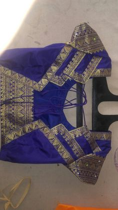 Blouse Neck Models, Saree Blouse Neck Designs, Dress Neck Designs, Kurta Designs, Simple Blouse Designs, Stylish Blouse Design, Designer Blouse Patterns, Dress Fashion, Women's Fashion