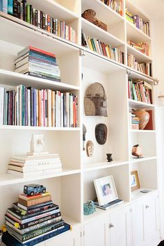 Lyndsay and Fitzhugh at Home in Brooklyn #interior #design #house #brooklyn #missdesign #miss-design #style #decor #decoration #accessories #fashion #apartment #smallhouse #smallapartment #ethnicstyle #light #furniture #inspiration #creative #interiorideas