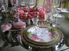 pink tablescapes   PINK* Valentines Day tablescapes... - Holiday Forum - GardenWeb