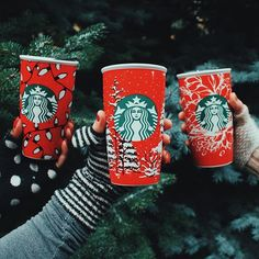 Giving #RedCup Traveler love, with a matching fingerless glove! To see all the Red Cup Travelers, tap the link in our bio.