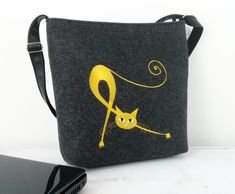 WOMEN FELT BAG, Crossbody Bag,Cat bag,  Felt shoulder bag, Embroidery, Cat design bag, Small Bag, With Crossbody Strap by BPStudioDesign on Etsy