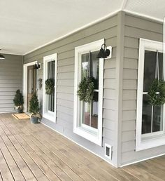 37 Beautiful Farmhouse Front Porch Decor Ideas
