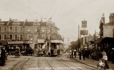 ESS 1993 Bakers Arms, Walthamstow Date: about 1911 Vintage London, Old London, East London, London City, Victorian Photography, London History, As Time Goes By, London Transport, London Photos