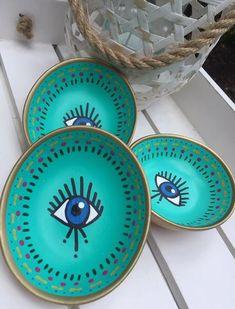 Eye Dish Diy Clay, Clay Crafts, Diy Mug Designs, Evil Eye Art, Greek Decor, Diy Mugs, Hand Painted Plates, Plate Art, Boho Diy