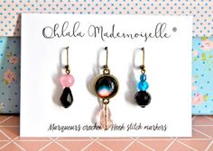 A great gift for a crocheter !! Hook stitch markers - Lot of 3 handmade crochet markers - Black galaxy set