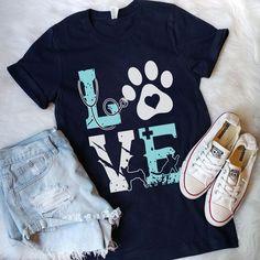 """Tech # T-shirts # AzBetter"""" – Leben und Stil Tech T Shirts, Cute Shirts, Vet Scrubs, Vet Assistant, Dog Shirt, Hooded Sweatshirts, Shirt Designs, Veterinarian Career, Veterinarian Technician"""