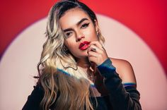 """Chart Highlights: Karol G Earns Her First No. 1 on Billboard Airplay With """"Mi Cama"""" Ft. Nicky Jam & J. Becky G Style, Best Party Songs, Puerto Rican Singers, G Photos, Latin Women, Latin Music, Celebrity Wallpapers, Me As A Girlfriend, Billboard"""