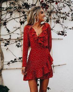 323fb7bc0e8db Платья 90'lar Modası, Moda Trendleri, Kadın Modası, Ruffles, Dress Outfits