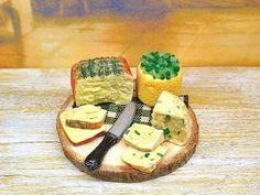 Miniatura casa delle bambole selezione di formaggi di PiccoliSpazi