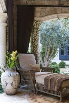I could sit in this chair all day long... give me a good book and a cup of hot tea and I wouldn't move! Great feature adding fabric panels.