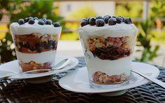 Waldbeeren Tiramisu, ein raffiniertes Rezept aus der Kategorie Dessert. Bewertungen: 12. Durchschnitt: Ø 4,2.