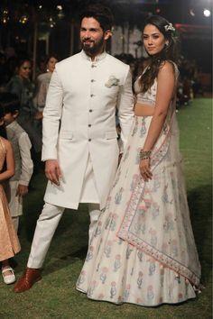 Shahid & Mira Kapoor walk the runway for designer Anita Dongre at Lakme Fashion Week 2018 Sherwani For Men Wedding, Wedding Dresses Men Indian, Sherwani Groom, Wedding Dress Men, Wedding Couples, Mens Wedding Wear Indian, Mens Indian Wear, Mens Sherwani, India Wedding