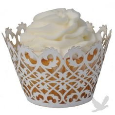 Use all different kinds of cupcake liners (for food displays: chips, pasta salad, fruit, veggies, wraps and sandwiches)