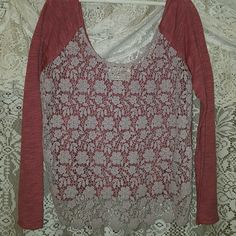 Free people crochet Beautiful tan crochet flowers. Lower in back. Color hard to describe. Rose.  Euc Free People Tops