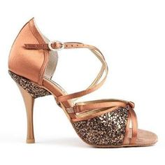 Portdance is a leading European dance shoes brand. Dance shoes for Ballroom, Salsa, Kizomba and Tango. Dance Baile, Bronze Shoes, Baile Latino, African Dance, Latin Dance Shoes, Shoe Brands, Dance Wear, Footwear, Sandals