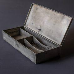 アンティーク_鉄の箱