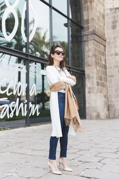 080_Fashion_Barcelona-White_Coat-Proenza_Schouler_Bag-Denim-Street_Style-Outfit-Collage_Vintage-25