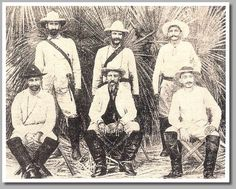 Miembros del gobierno cubano en rebeldía. Se trata del Consejo de Gobierno de la República de Cuba, presidido por Bartolomé Masó (en el centro).