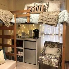 Decorating your college dorm room can present some challenges. College dorm room ideas are limited by a few restrictions like […] College House, College Dorm Rooms, College Apartments, College Life, College Bunk Beds, Uga Dorm, Lofted Dorm Beds, College Closet, Dorm Room Designs
