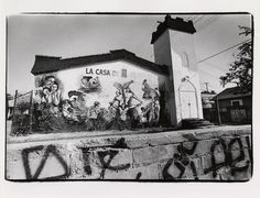 La Casa de Esperanza, November 16, 1973. This image is one of a collection of mural photographs that accompany articles written by Frank del Olmo, a staff writer who specialized in Latin American affairs for the Los Angeles Times. Frank del Olmo Collection. Latino Cultural Heritage Digital Archives.