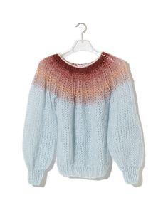 Pleated Sweater Gradient_Iceblue