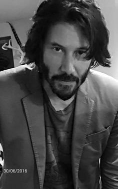 Gorgeous keanu reeves
