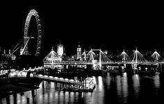 Ferris wheel on the water <3
