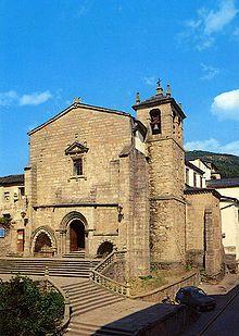 Lugo Vivero - La Iglesia de San Francisco vista desde la Avenida de Cervantes.