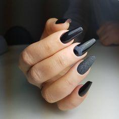 Этот идеальный черный #IMENNAILS 001. #numberone  Обожаю! Нет... Люблю!  В один слой идеальный!