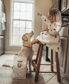Hotel Mama Toddler Girl Outfits, Toddler Fashion, Kids Fashion, Cute Family, Family Goals, Cute Kids, Cute Babies, Pregnant Dog, Kids Laughing