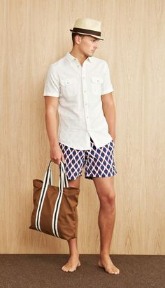 Para un look formal y trendy, los sombreros son un buen accesorio. Conoce nuestras propuestas en http://camasha.com/categoria-producto/hombres/accesorios/