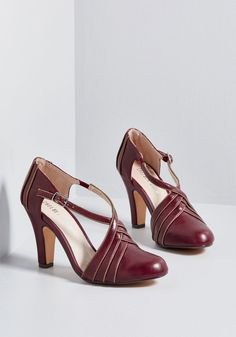 Time for Terpsichore Heel in 36 by Chelsea Crew from ModCloth - Nelly - Pinsit Pumps, Pump Shoes, Shoe Boots, Women's Shoes, Oxford Shoes Outfit, Casual Oxford Shoes, Vintage Style Shoes, Retro Shoes, Burgundy Heels