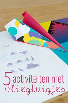 5 activiteiten met vliegtuigjes - Apocalypse Now And Then Geometric Origami, Origami Bird, Kids Wedding Activities, Busy Boxes, Patterned Vinyl, Wedding With Kids, Wall Patterns, Primary School, Diy Paper