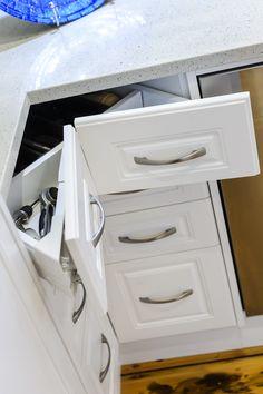 63 best kitchens featuring castella handles images backsplash bar rh pinterest com