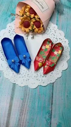 Pin by 川野 響子 on 折り紙 [Video] Diy Crafts Hacks, Diy Crafts For Gifts, Diy Home Crafts, Origami Simple, Instruções Origami, Cool Paper Crafts, Paper Crafts Origami, Diy For Kids, Crafts For Kids