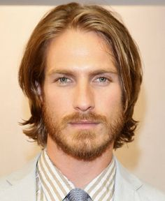 This layered cut is great for men with straight hair. #menscut #menshair #hair