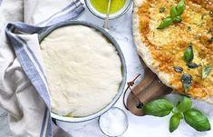 Hjemmelavet pizza – bedste grundopskrift på nem pizzadej Tortilla Pizza, Danish Food, Frisk, Mozzarella, Camembert Cheese, Tart, Kitchen, Inspiration, Biblical Inspiration