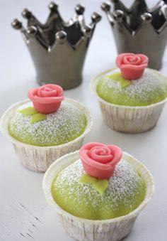 www.minabakverk.se: Prinsess cupcake Baking Recipes, Cake Recipes, Dessert Recipes, Desserts, Grandma Cookies, Swedish Recipes, Cupcake Cakes, Cupcakes, Aesthetic Food