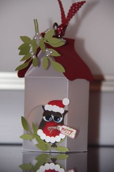 Weihnachtsmann-Eulen-Häuschen