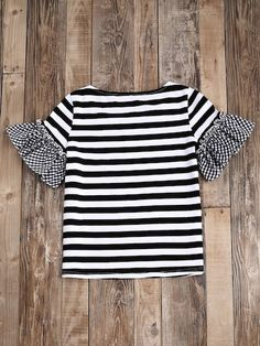 Shop Striped T-shirt With Gingham Ruffle Sleeve online. SheIn offers Striped T-shirt With Gingham Ruffle Sleeve & more to fit your fashionable needs. Blouse Styles, Blouse Designs, New Outfits, Casual Outfits, African Dresses For Kids, Shirt Print Design, T Shirt Diy, Ruffle Sleeve, Pulls