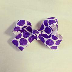 Small loopy bow #bjsbowbows #hairbow #bow #smallbow #loopybow #purplepolkadots #polkadots