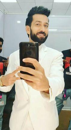 Awesome loo Nakul Cute Celebrities, Bollywood Celebrities, Nakul Mehta, Dil Bole Oberoi, Mr Perfect, My Hero, Tv Shows, Boy Boy, Handsome Guys