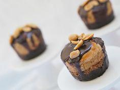 Mini cheesecakes s arašídovým máslem a čokoládou