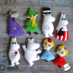 moomins Tove Jansson, Les Moomins, Crafts To Make, Diy Crafts, Felt Puppets, Craft Box, Fuse Beads, Felt Hearts, Felt Toys