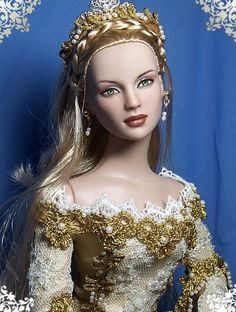 Old fashion beauty Queen Tonner Barbie doll