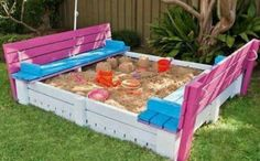 20+ Incredible DIY Pallet Furniture for Kids---Pallet Furniture for Kids-DIY Sandbox with Cover
