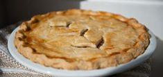 Jocelyne Cazin's Meat Pie Recipes Pie Recipes, Great Recipes, Favorite Recipes, La Tourtiere, Good Food, Yummy Food, Creole Recipes, Savory Tart, Christmas Baking