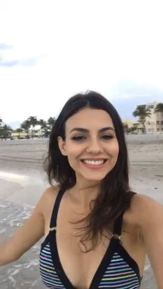 Victoria in her Instagram Live video just now - Album on Imgur