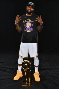 Lebron James Lakers, Lebron 4, Lebron James Poster, King Lebron James, King James, Lebron James Heat, Kobe Bryant Lebron James, Nba Players, Basketball Players